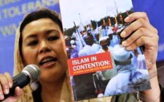 FPI: Dengan Laskar Paramiliter, Menentukan Otoritas Sendiri (2)
