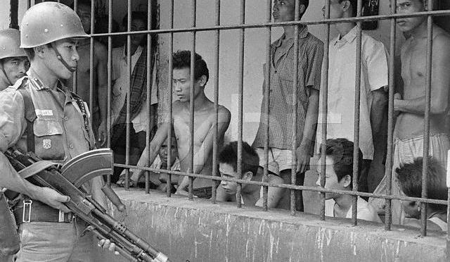 Kutub Tujuh Pemberontakan di Indonesia:  Di Ujung Kiri PKI, di Ujung Kanan DI/TII (3)