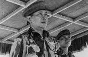 Jenderal Soeharto dan Kolonel Sarwo Edhie