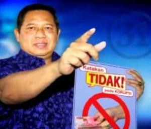 "SBY, KATAKAN TIDAK PADA KORUPSI. ""Sayangnya, setidaknya dua dari bintang iklan melalui televisi itu, justru telah dihukum dan dijadikan tersangka korupsi, yakni Angelina Sondakh dan Andi Alfian Mallarangeng. Kemudian dua lainnya, Anas Urbaningrum dan Edhie Baskoro Yudhoyono, pun disorot dan disebut-sebut namanya terkait apa yang di""tidak""kan itu. Lama-kelamaan, pada gilirannya nama dan kepercayaan kepada Susilo Bambang Yudhoyono, sulit dihindarkan untuk tidak terkontaminasi"". (youtube)"
