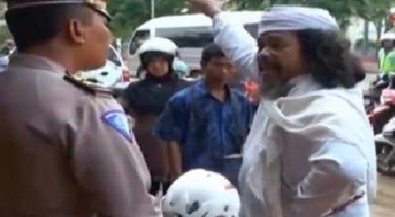 Polisi: Persoalan Kewibawaan dan Pola Jalan Pintas