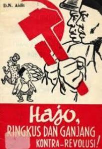 "POSTER PKI. ""Para pemimpin PKI sepanjang tahun 1960-1965 tak henti-hentinya memobilisasi massa anggota organisasi mantelnya menjalankan aksi sepihak yang untuk sebagian besar bercorak kekerasan dan berdarah-darah, untuk merebut tanah milik orang lain di Jawa Timur dan Sumatera Utara. Ibarat menabung kebencian yang pada waktunya menuai pembalasan berdarah yang berlipat-lipat kedahsyatannya."" (reproduksi)"